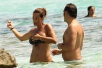 Samantha De Grenet - Formentera - 06-08-2013 - Samantha De Grenet, attenta che cade!