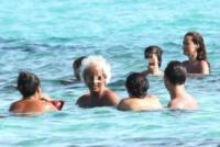 Brando Barbato, Samantha De Grenet - Formentera - 06-08-2013 - Samantha De Grenet, attenta che cade!