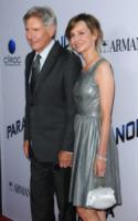 Harrison Ford, Calista Flockhart - West Hollywood - 08-08-2013 - Miley Cyrus ruba la scena al fidanzato alla première di Paranoia