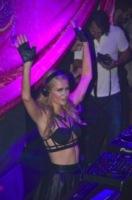 Paris Hilton - Ibiza - 08-08-2013 - Paris Hilton sexy deejay in consolle a Ibiza