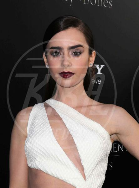 Lily Collins - Hollywood - 13-08-2013 - Il rossetto dell'autunno? E' rosso Burgundy