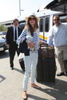 Alessandra Ambrosio - Los Angeles - 14-08-2013 - In carrozza! Anche il viaggio ha il suo dress code