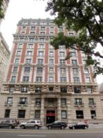Casa Michael Douglas - New York - 14-08-2013 - Michael Douglas ha lasciato la casa coniugale