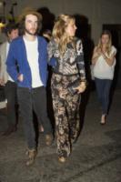 Tom Sturridge, Sienna Miller - Londra - 15-08-2013 - Sienna Miller: sotto il vestito, niente