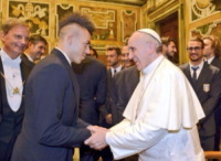 Papa Francesco, Stephan El Shaarawy - Milano - 16-08-2013 - Dillo con un tweet: Selvaggia Lucarelli sceglie il lago