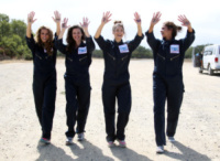 Tiffany Brouwer, Haley Webb, AnnaLynne McCord - Santa Barbara - 18-08-2013 - Annalynne McCord è paracadutista per beneficenza