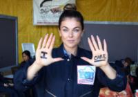 Serinda Swan - Santa Barbara - 18-08-2013 - Annalynne McCord è paracadutista per beneficenza