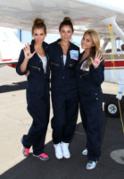 Serinda Swan, Cassie Scerbo, AnnaLynne McCord - Santa Barbara - 18-08-2013 - Annalynne McCord è paracadutista per beneficenza