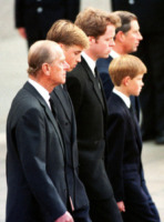 Lady Diana - Londra - 06-09-1997 - Il principe Harry in Angola, come Lady Diana