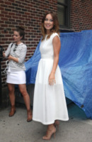 Olivia Wilde - New York - 20-08-2013 - Quest'estate le star vanno in bianco