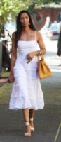 Padma Lakshmi - New York - 05-08-2013 - Quest'estate le star vanno in bianco