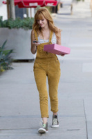 Bella Thorne - Los Angeles - 22-08-2013 - La salopette: dai cantieri ai salotti dello star system
