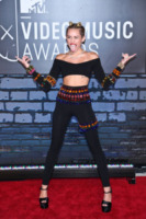 Miley Cyrus - New York - 25-08-2013 - Mtv Video Music Awards 2013: Katy Perry è una bellezza bestiale