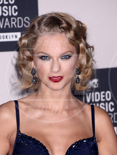 Taylor Swift - Brooklyn - 25-08-2013 - Il rossetto dell'autunno? E' rosso Burgundy