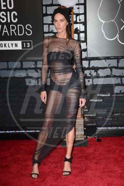 Erin Wasson - New York - 26-08-2013 - Sotto il vestito… niente! Ma proprio niente!