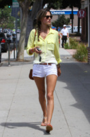Alessandra Ambrosio - Los Angeles - 27-08-2013 - Questa primavera mi vesto color sorbetto!