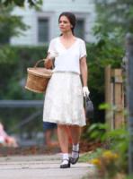 Katie Holmes - Ohio - 27-08-2013 - Il ritorno del calzino: chic or choc?