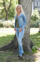 Eleonora Daniele - Milano - 28-08-2013 - Un classico che ritorna: il giubbotto di jeans