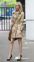 Laura Whitmore - Londra - 01-06-2013 - L'autunno è alle porte: è tempo di trench!