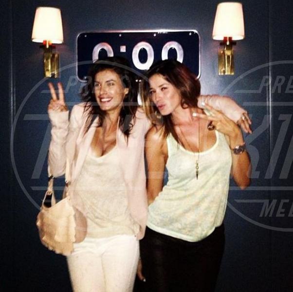 Aida Yespica, Elisabetta Canalis - Milano - 29-08-2013 - Rivali sul set? No, amiche per la pelle!