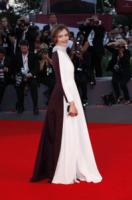 Francesca Cavallin - Venezia - 28-08-2013 - Bianco e nero: un classico sul tappeto rosso!