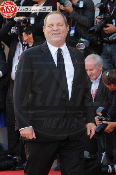 Harvey Weinstein - Venezia - 31-08-2013 - Harvey Weinstein molesta una modella italiana