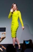 Lily Collins - New York - 06-08-2013 - Il giallo, un trend perchè torni a splendere il sole