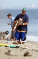 Sunny Sandler, Adam Sandler - Malibu - 01-09-2013 - Anche i VIP in spiaggia con i fidati amici a quattro zampe