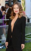 Olivia Wilde - Londra - 02-09-2013 - Blake Lively: pantaloni? No grazie, sotto la giacca... niente!