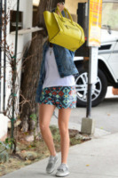 Ashley Tisdale - Beverly Hills - 31-07-2013 - Le celebrity ne vanno matte: è la Celine Luggage Tote Bag!