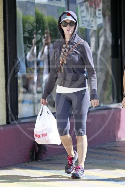Katy Perry - Los Angeles - 22-08-2012 - Le celebrity giocano a nascondino con i paparazzi