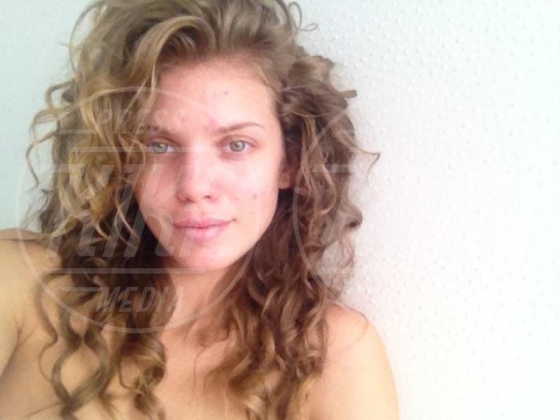 AnnaLynne McCord - Los Angeles - 05-05-2012 - Quando il trucco non c'è, si vede eccome