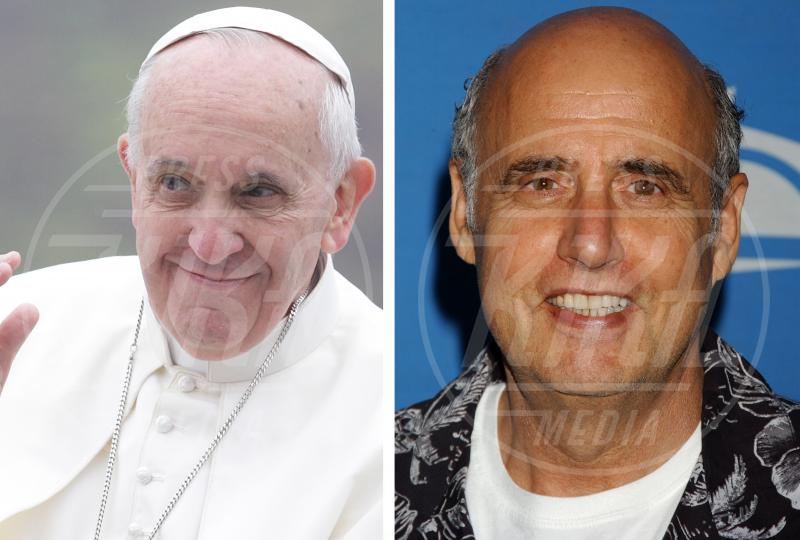 Papa Francesco, Jeffrey Tambor - Aparecida - 24-07-2013 - Separati alla nascita: le star e i loro cloni