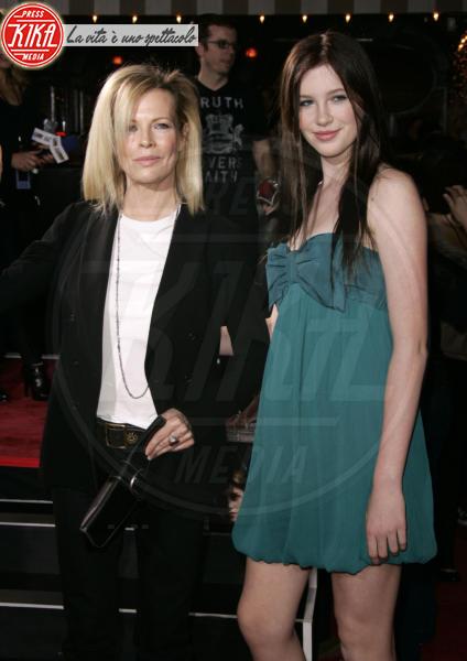 Ireland Baldwin, Kim Basinger - Beverly Hills - 17-11-2008 - Tale madre, tale figlia: quando la bellezza è… di famiglia!