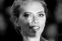 Scarlett Johansson - Venezia - 03-09-2013 - Festival di Venezia: la Johansson in nero per Under the Skin