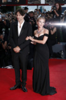 Jonathan Glazer, Scarlett Johansson - Venezia - 03-09-2013 - Festival di Venezia: la Johansson in nero per Under the Skin