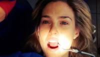 Bar Refaeli - Los Angeles - 06-05-2013 - Non c'è fine alla mania dell'autoscatto: ecco l'hospital selfie