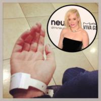 Rose McGowan - 21-02-2013 - Non c'è fine alla mania dell'autoscatto: ecco l'hospital selfie