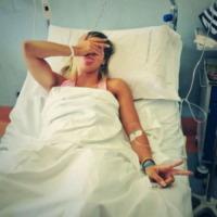 Giulia Calcaterra - Los Angeles - 03-09-2013 - Non c'è fine alla mania dell'autoscatto: ecco l'hospital selfie
