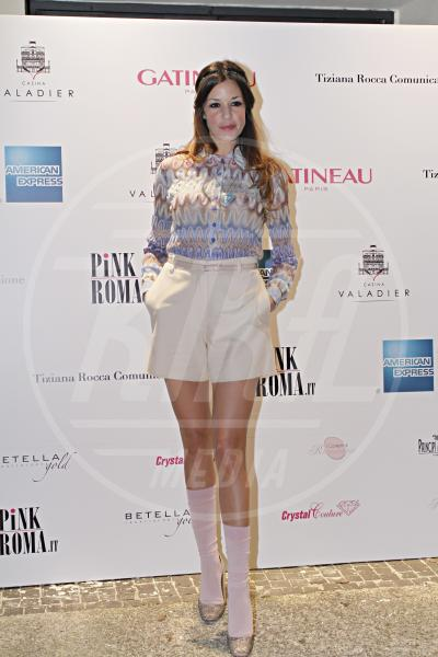 Alessia Fabiani - Roma - 22-02-2012 - Inverno grigio? Rendilo romantico vestendoti di rosa!