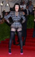 Madonna - New York - 06-05-2013 - Il must dell'autunno? Sua Maestà il tartan!