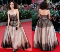 Carmen Chaplin - Venezia - 04-09-2013 - Vade retro abito!: Le sorprese del lato oscuro