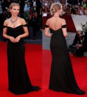 Scarlett Johansson - Venezia - 04-09-2013 - Vade retro abito!: Scarlett Johansson in Versace