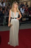 Suki Waterhouse - Londra - 03-09-2013 - Ecco le celebrity che non fanno un plissé… ma mille!