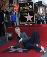 Hollywood - 04-09-2013 - Jane Lynch raggiunge il suo idolo Greta Garbo sulla Walk of Fame