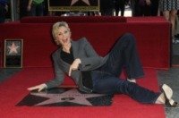 Jane Lynch - Hollywood - 04-09-2013 - Jane Lynch raggiunge il suo idolo Greta Garbo sulla Walk of Fame