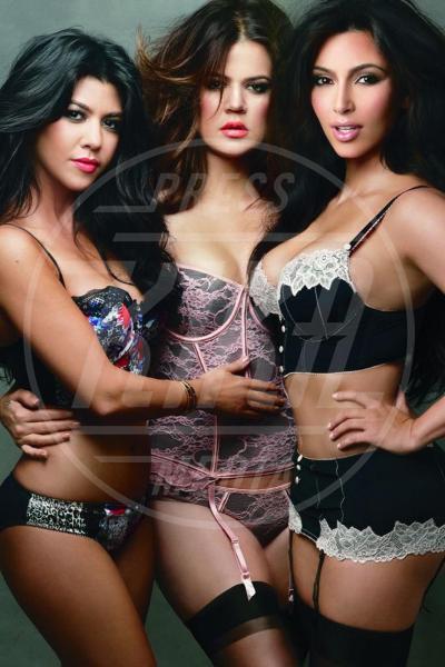 Khloe Kardashian, Kourtney Kardashian, Kim Kardashian - Los Angeles - 14-09-2011 - Le star di Hollywood raccontano la loro prima volta