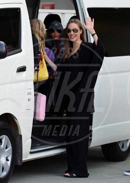 Angelina Jolie - Sydney - 05-09-2013 - Star come noi: Edoardo Bennato nella metro napoletana