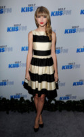 Taylor Swift - Los Angeles - 01-12-2012 - Annual Country Music Awards: Taylor Swift ancora in lizza