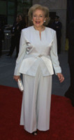 Betty White - New York - 05-05-2002 - Betty White, un'attrice da Guinness dei Primati